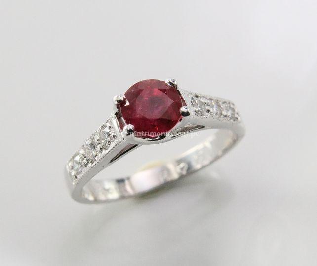 Anillo de compromiso con rubí