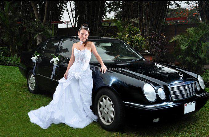 Mercedes Benz E240 negro