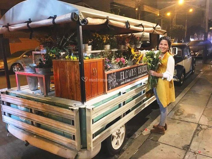 Qumir Flower Truck