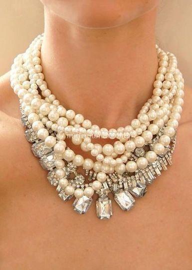 Collares de finas perlas