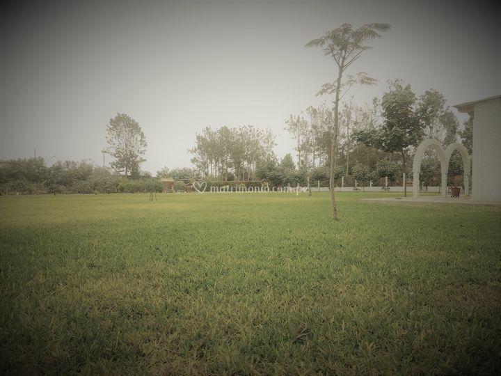 Jardín principal de 1200m2