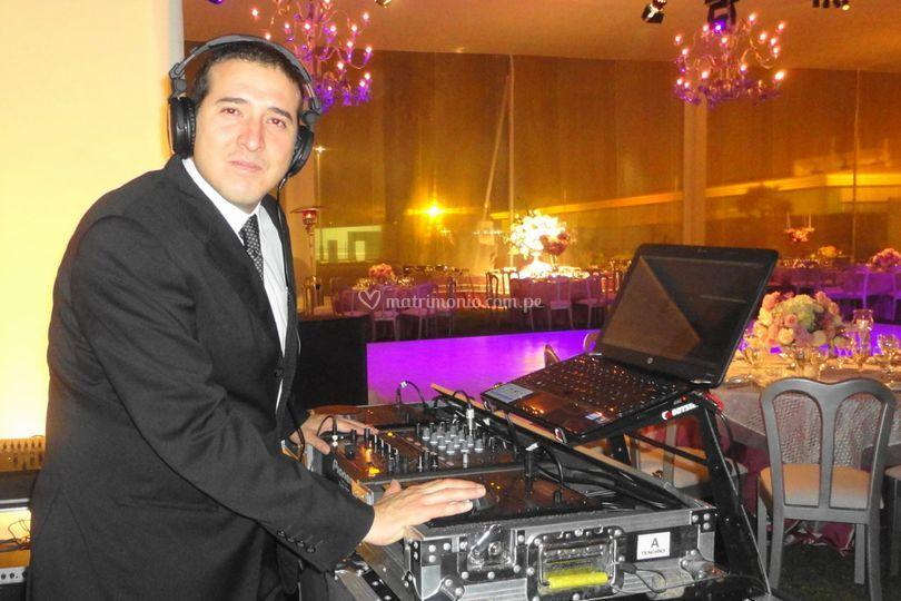 Dj Carlos Tenorio