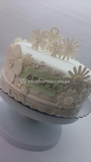 Torta flores blancas