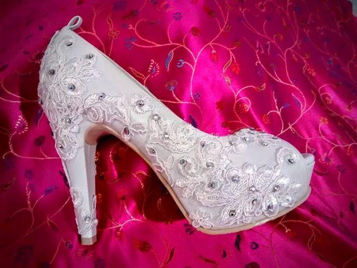 Diseño de zapatosy vestidos