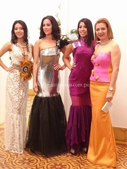 4 vestidos disponibles