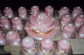 Precioso cake y minicakes