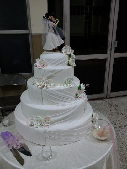 Torta  Rosas blancas