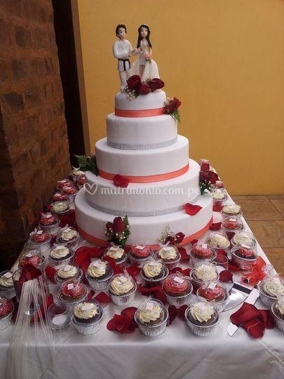 Torta Karate en Blanco y Rojo