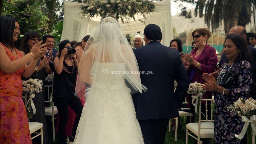 Entrada de novia a ceremonia