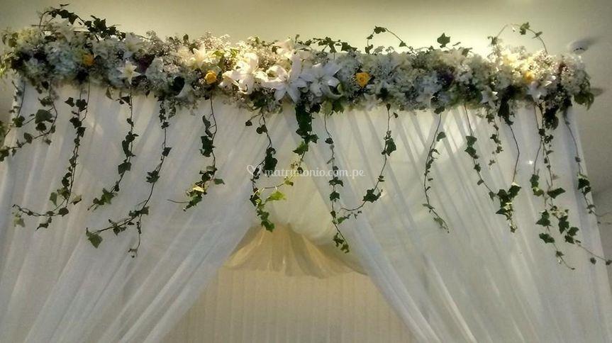 Cenefa  flores para altar