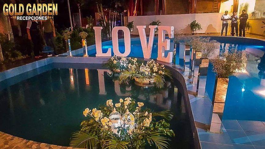 Amor en piscina