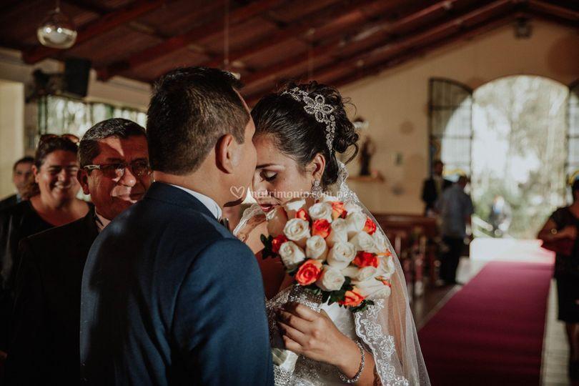 Beso a la novia