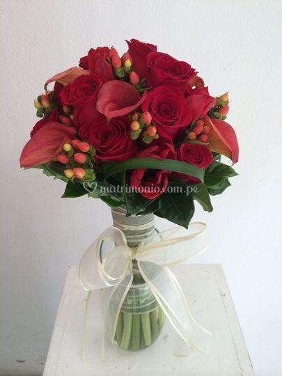 Bouquet rosas, calas y más