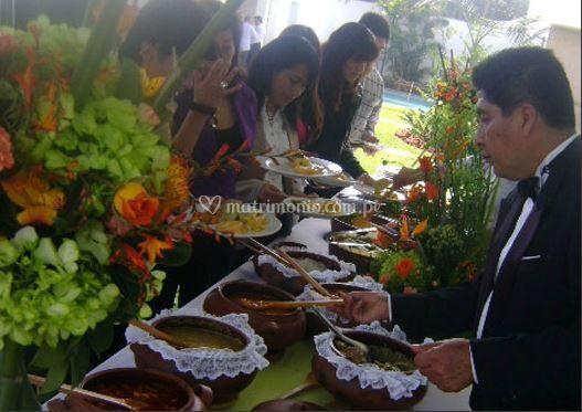 Sirviendo el buffet