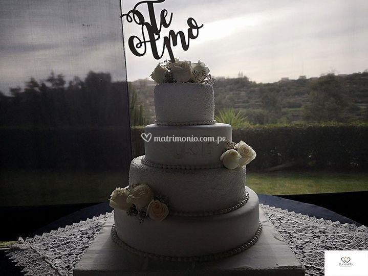 Linda torta de matrimonio