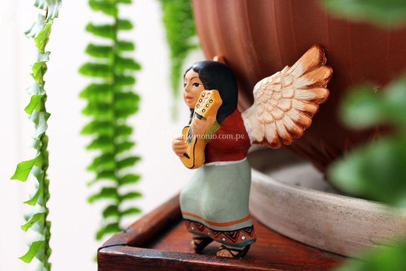 Angel de cerámica