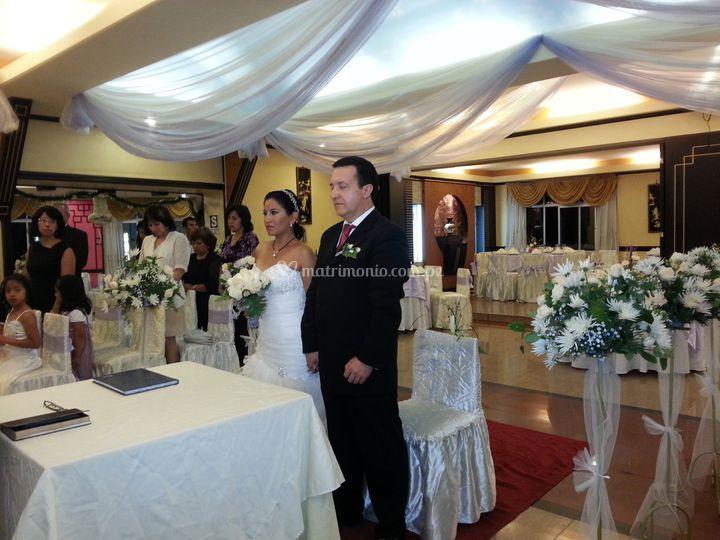 Los novios en su ceremonia