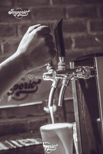 Cerveza madura en barril