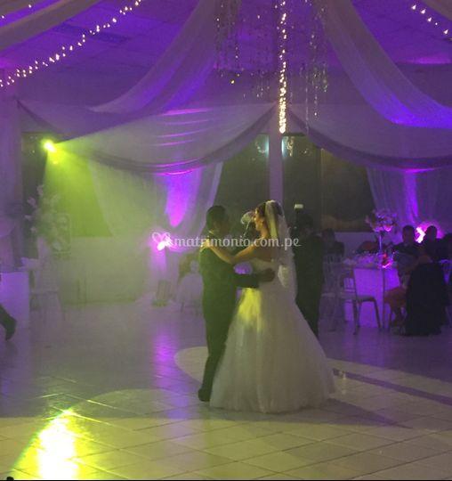 Baile en salón Principal