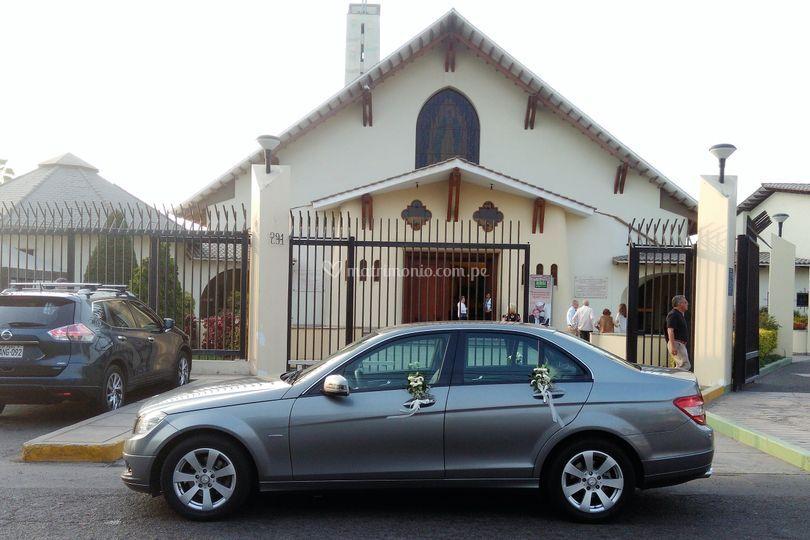 En la iglesia de Camacho