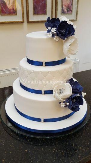 Clásica con peonias azules