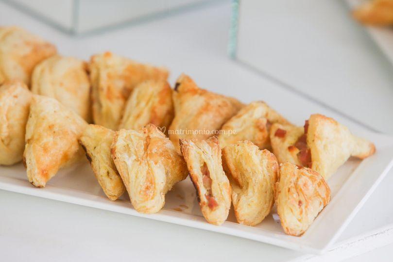 Empanaditas mixtas hojaldradas