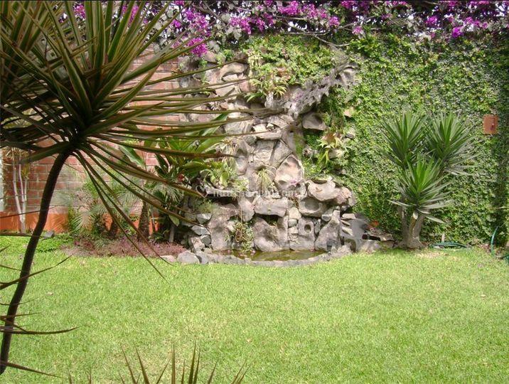 Los jardines de ajelandro for Los jardines de arbesu