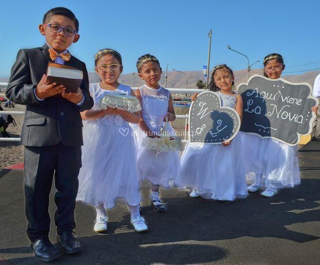 Los niños en la ceremonia