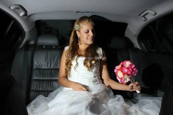La novia en el auto