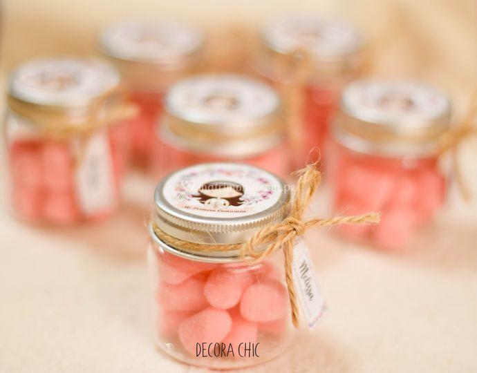Envase vintage con dulces