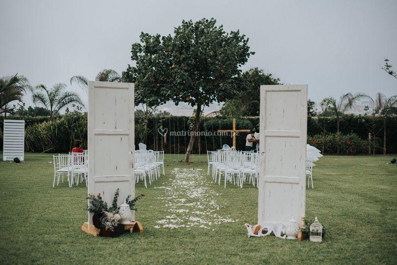 Ingreso altar boda campestre