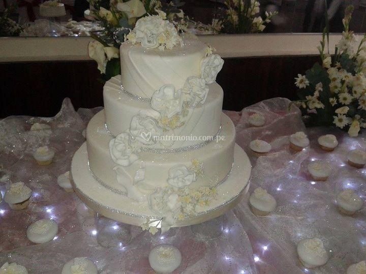 Torta de bodas moderna