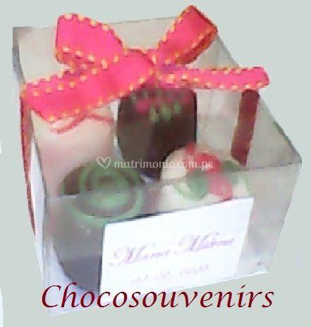 Caja con 4 bombones decorados