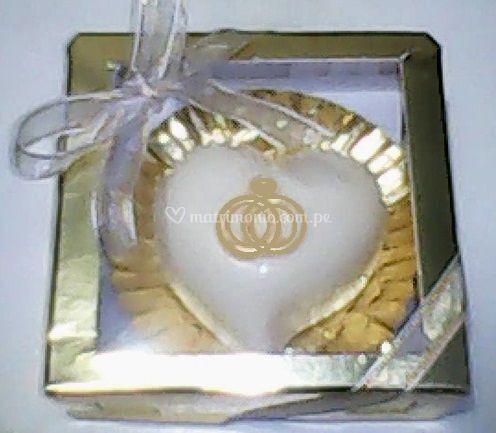 Bombón con diseño de anillos
