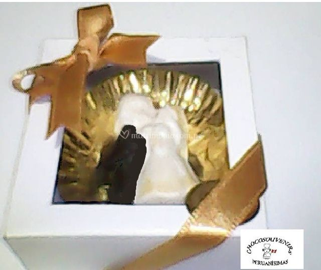 Novios de chocolate en cajita