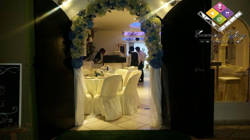 Arco de flores para la entrada