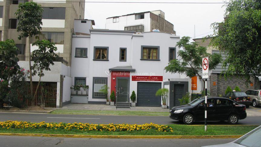 Primer centro en Lima