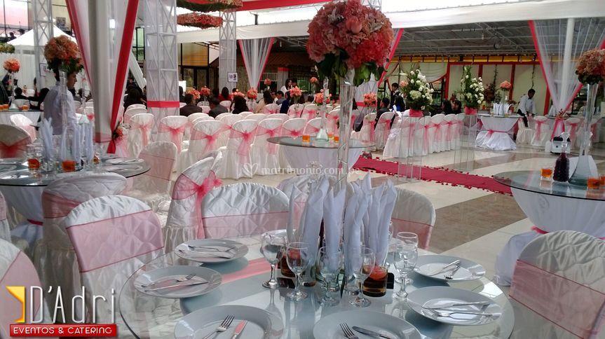 Mesas y arreglos florales