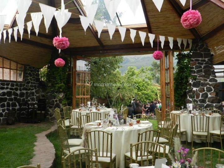 Casa campo andahuaylillas for Decoracion de bodas sencillas y economicas en casa