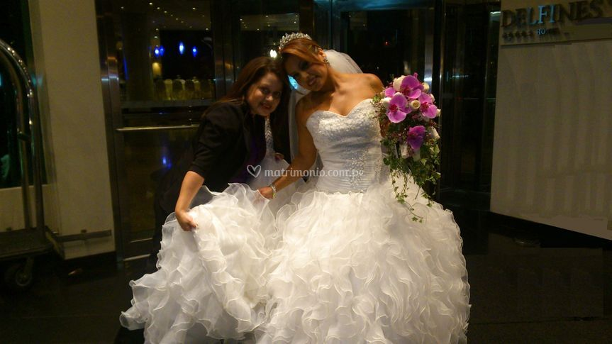 Con una de las novias