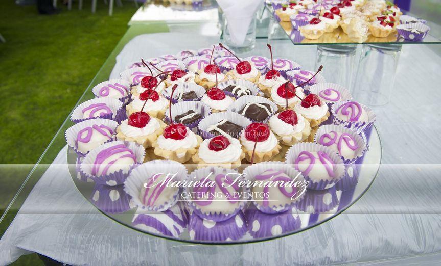 Mesa de bocaditos dulces