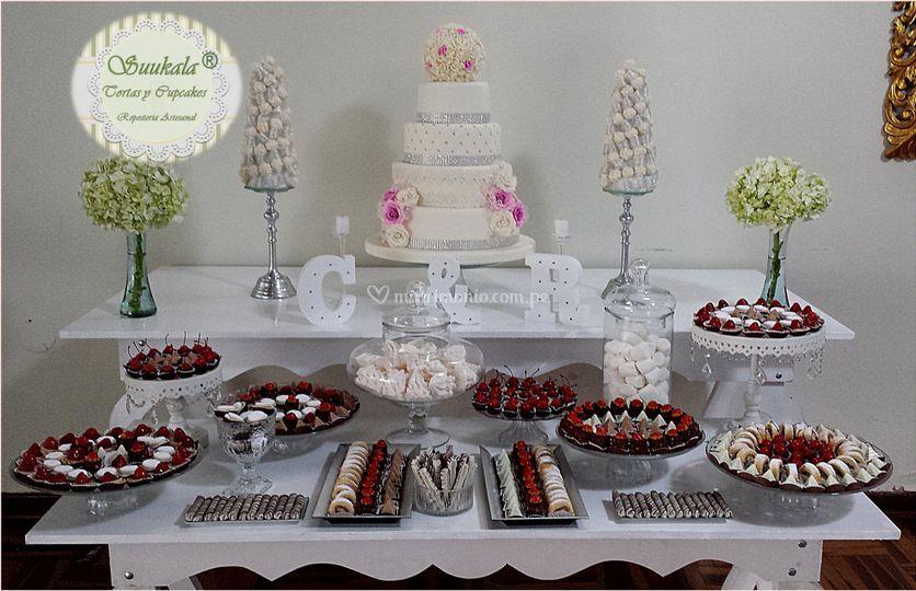 Torta y mesa dulce fucsia-plat