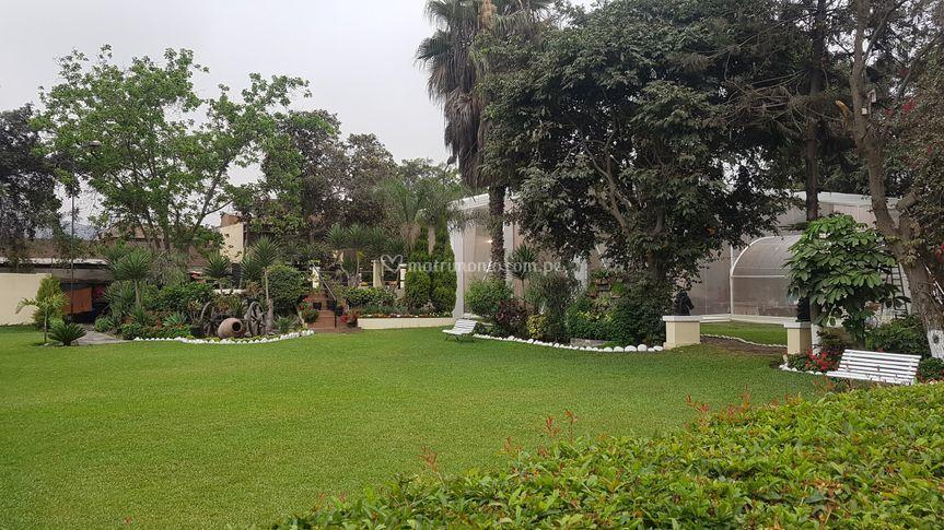 Jardín para 200 personas