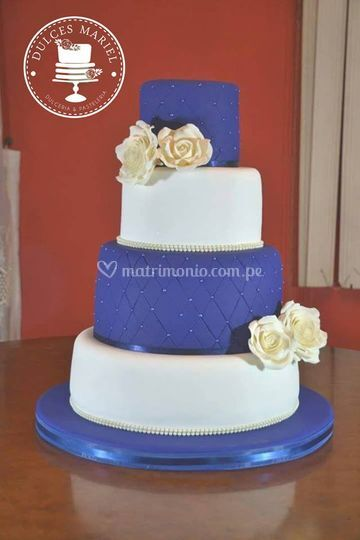 Torta en azules