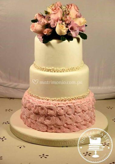 Torta Elegante y clásica