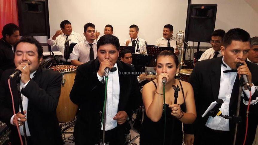 Cantantes jóvenes