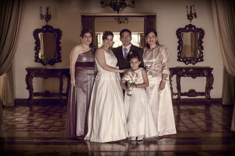 Novios y familia