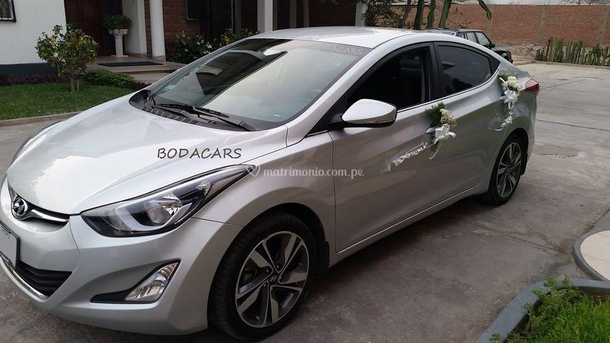 Hyundai elantra adornado