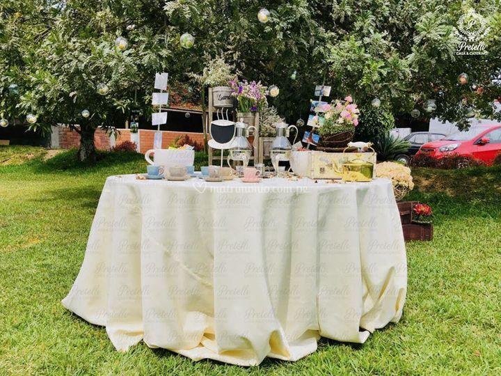 Mesa de té para exteriores