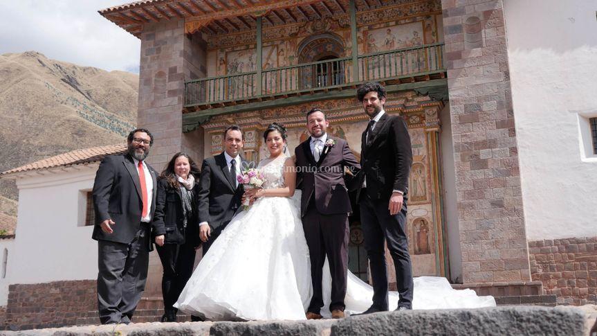 Con los felices recién casados